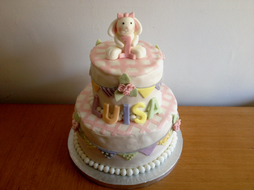 Vintage Bunting Cake