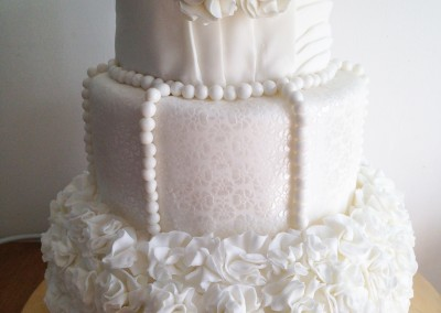 Gorgeous vintage wedding cake