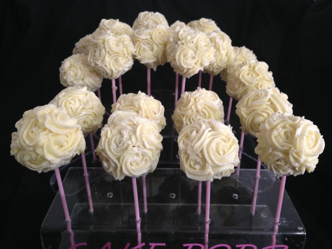 White sparkly rose cakepops