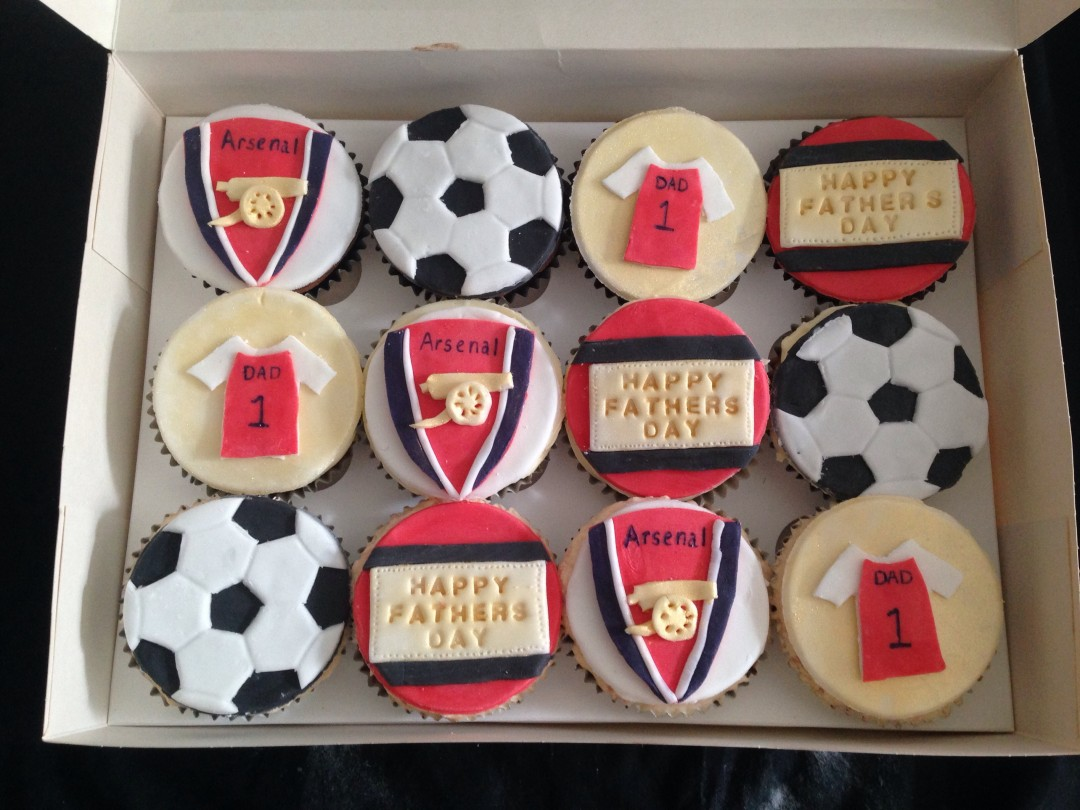 Arsenal Father's Day cupcakes