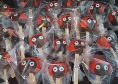 Ladybird cakepops